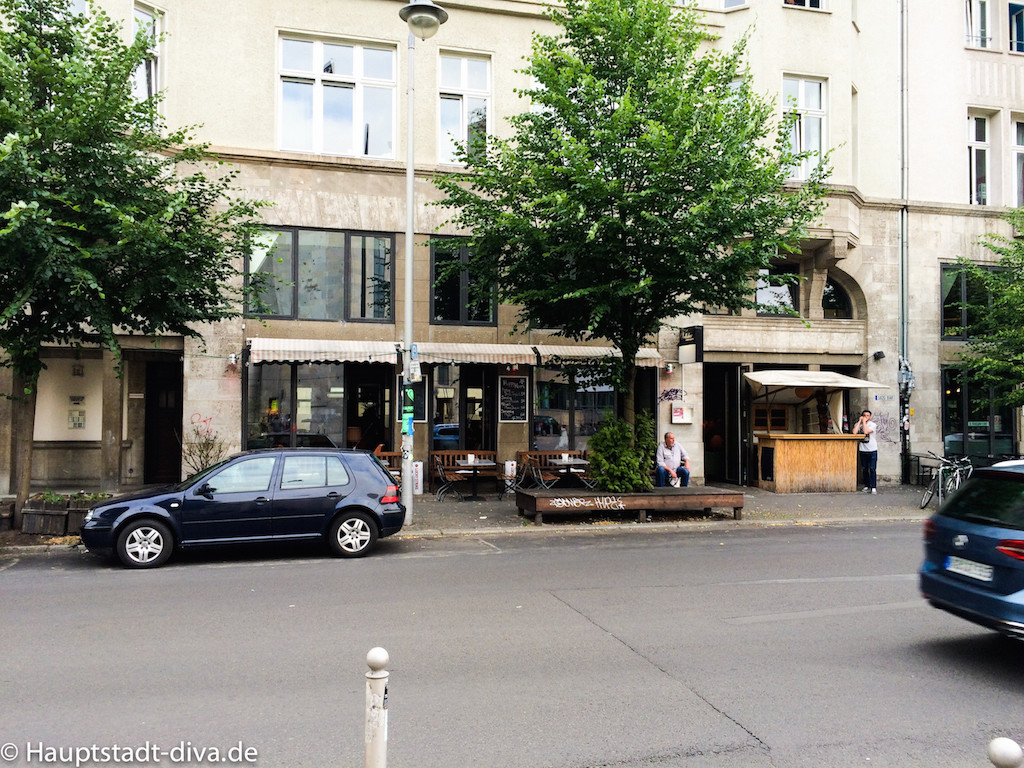 volksbar, berlin bitte, Tatort, Raucher, Baguette, nachos, trinken, bar
