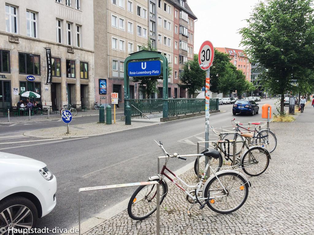 volksbar, berlin bitte, Tatort, Raucher, Baguette, nachos, trinken, bar, bahnhof