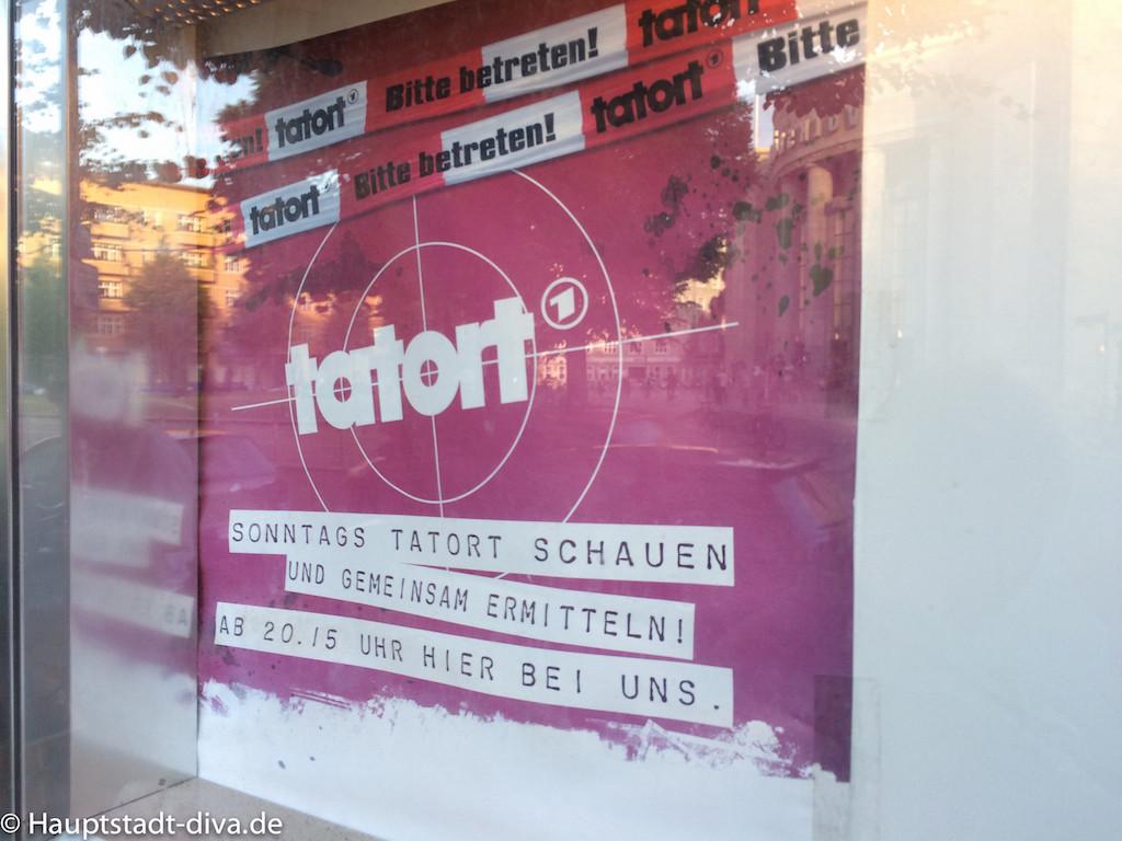 volksbar, berlin bitte, Tatort, Raucher, Baguette, nachos, trinken, bar, Bahnhof, Innenansicht, Leinwand, obere Etage, Übersicht , plakat